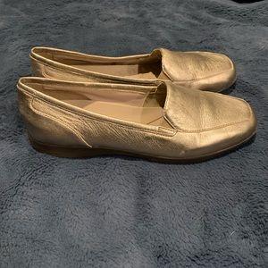 Easy Spirit Women's Devitt10 Loafer size 9 1/2